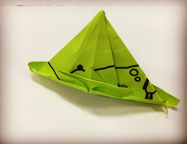 …折り鶴を折っていたはずが…私ではありません…#折り鶴 #アート #折る #折り紙